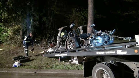 Водитель Tesla подвел автопилот // Как авария в Техасе отразится на компании