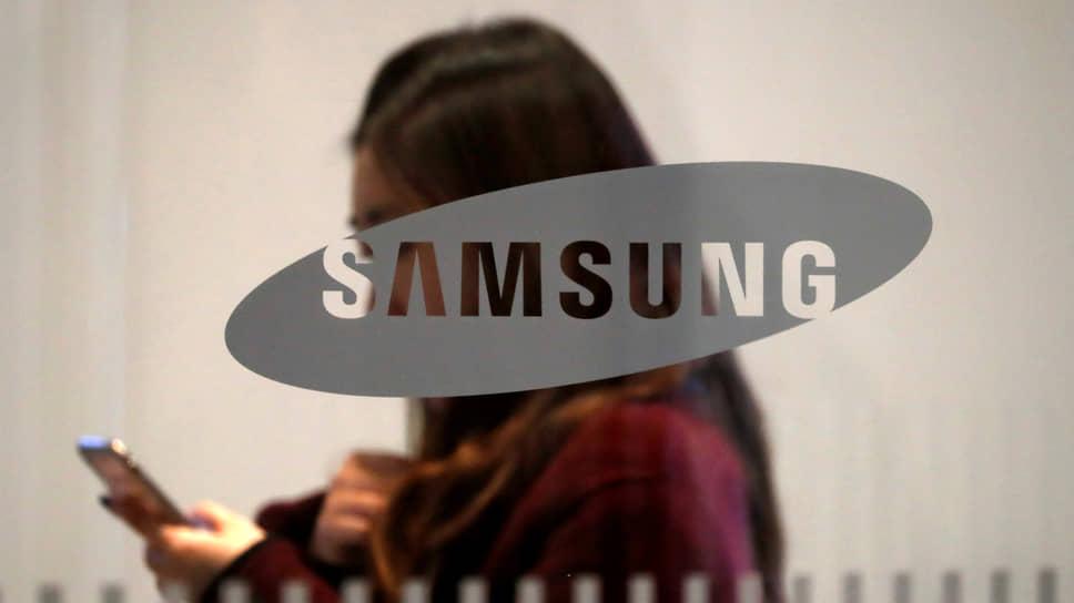 Samsung хранит интригу / Какие устройства представит компания на презентации новинок