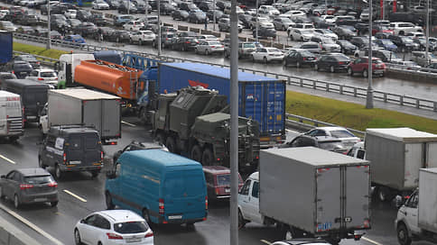 Фуры продолжат движение // С чем связан перенос ограничений для грузовиков