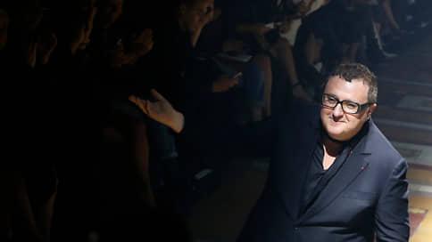 «Он придумал балетки на резинке и шелковые ленты вместо шнурков»  / Настя Ройзман – о дизайнере Альбере Эльбазе