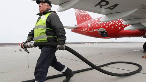 Керосин взлетел в цене  / Станут ли авиаперевозчики компенсировать убытки за счет пассажиров