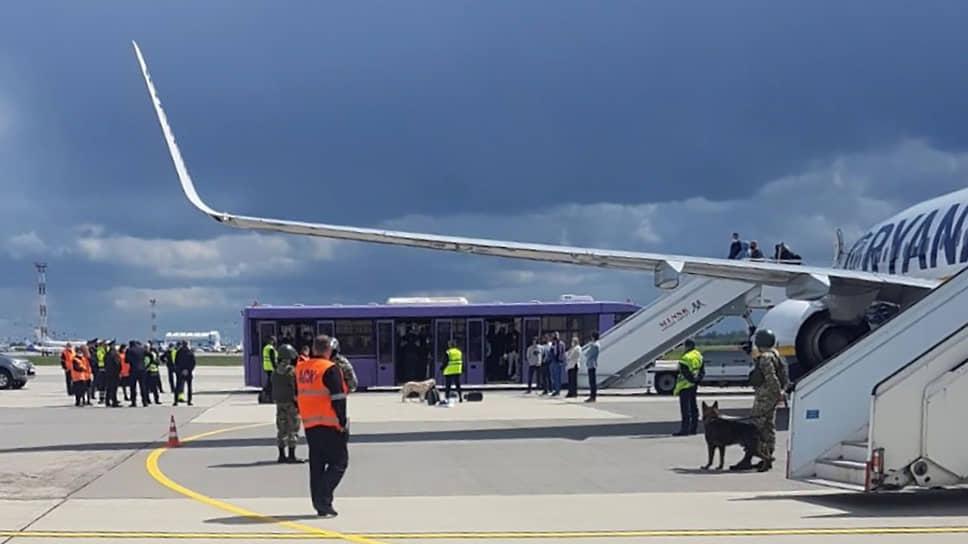 Какие политические и экономические последствия повлечет за собой экстренная посадка лайнера в Минске