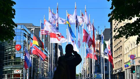 В ЧМ по хоккею вмешалась политика  / Почему латвийские власти решили сменить официальный флаг Белоруссии на бело-красно-белый