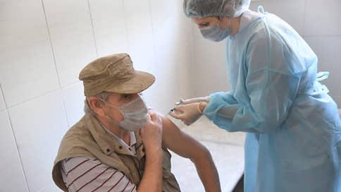 Повторной прививке поставили вопросы  / Как жители столицы ищут способы сделать прививку повторно