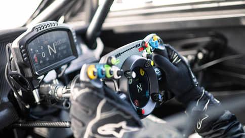 «Руль разработали специально для гоночного автомобиля»  / Александр Леви — о Bentley GT3