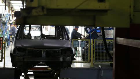 У автозаводов забуксовали конвейеры  / Как дефицит комплектующих влияет на производство