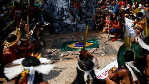 Бразилия начала кампанию // Почему жители страны вышли на протесты