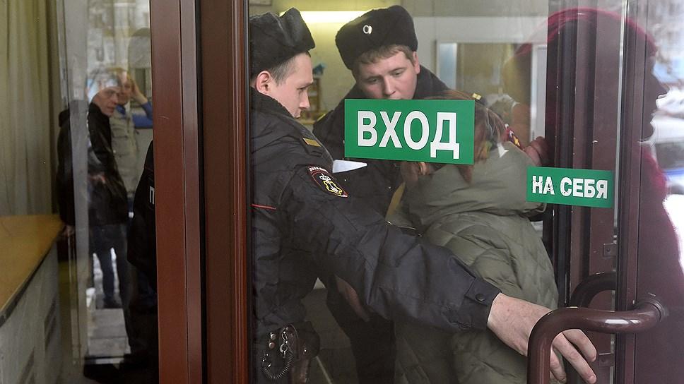 Дело пахнет «Пластмассой» / Полиция расследует факт мошенничества при выполнении госконтракта копейского завода «Ростеха»