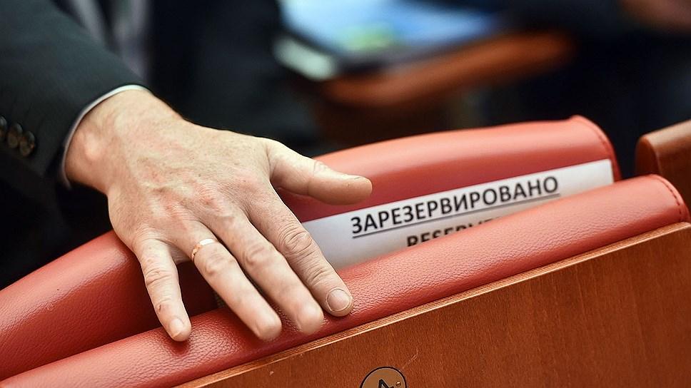 Копейск главу не бережет / Валерий Устинов через две недели после назначения ушел в отставку