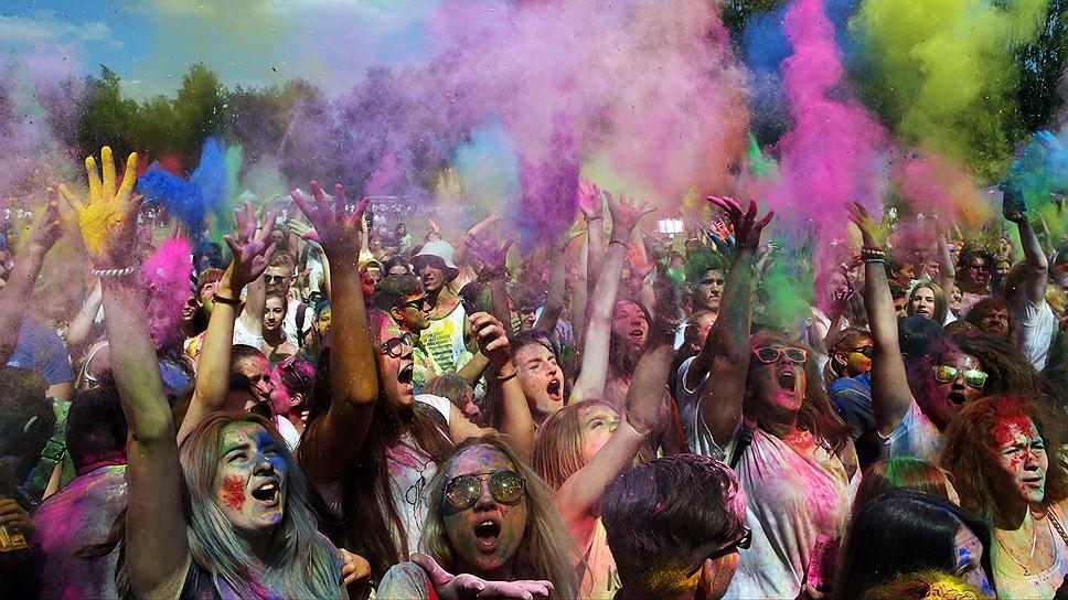 Фестиваль скатился с «Горки» / Организаторы несостоявшегося «Холи-феста» готовят претензии к ТРК