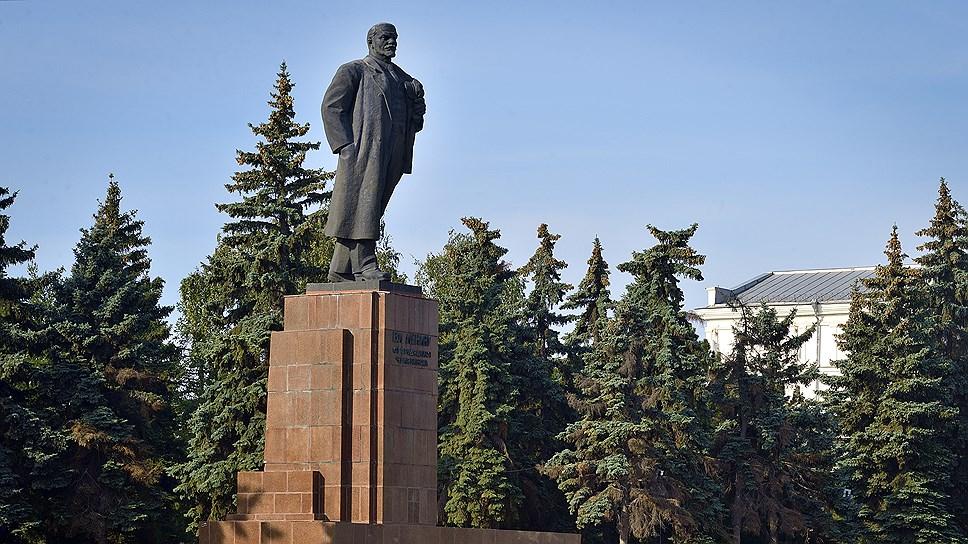 Памятник был передан на баланс города в 2015 году