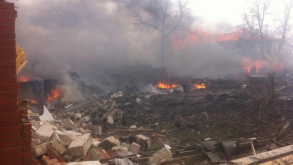 Пригород Челябинска охвачен дымом / Власти не могут решить, кто и как должен тушить техногенный пожар