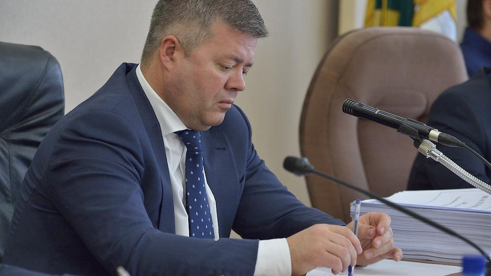 Спикер остался в районе / Станислав Мошаров отказался от работы в новом составе челябинской гордумы