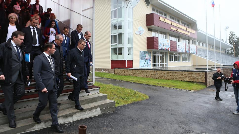 Биатлонный комплекс обрастает плесенью / Следователи ищут виноватых в срыве сроков строительства крупного спортивного объекта в Челябинской области