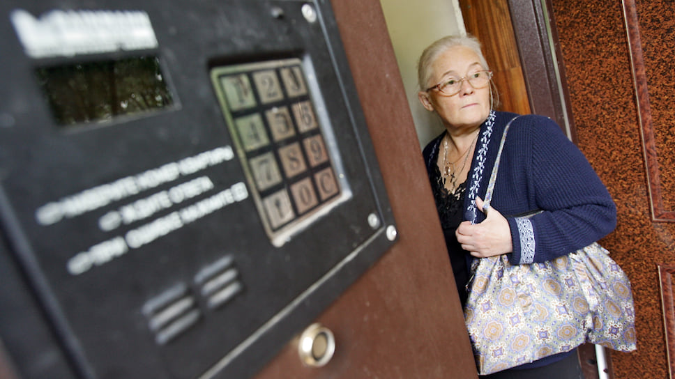 Подъездное самоуправство / Конкуренция между операторами домофонов в Челябинске вылилась в уголовное дело