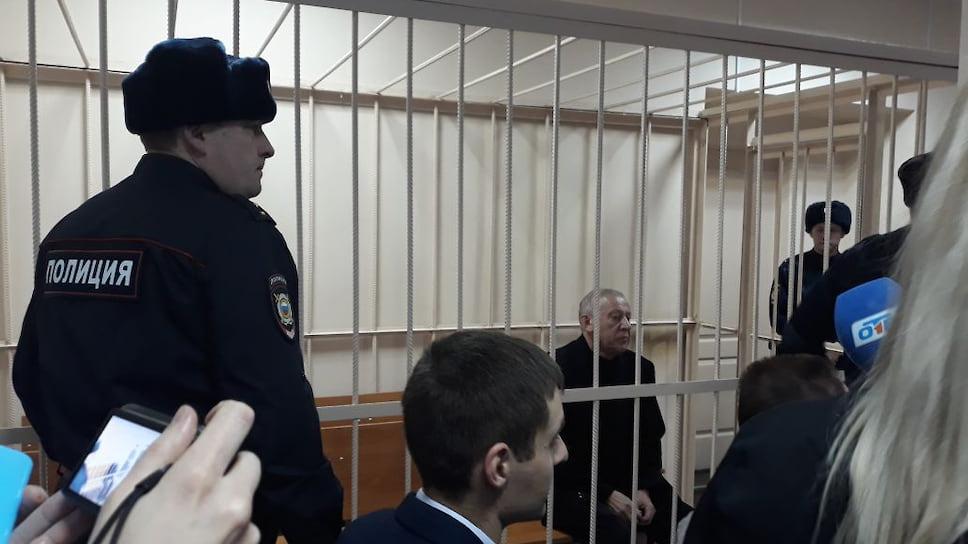 У Евгения Тефтелева не будет праздников / Экс-мэр Челябинска встретит Новый год и юбилей в СИЗО