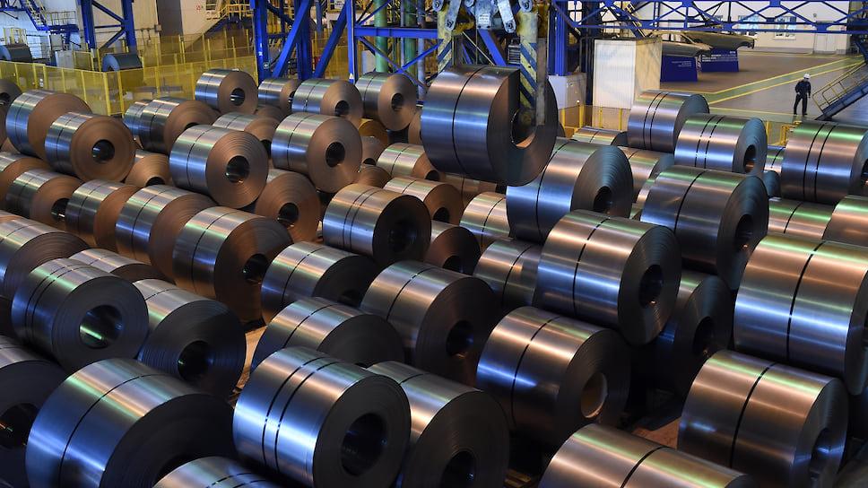 Металл потянул вниз / Объем экспорта из Челябинской области упал на 20%