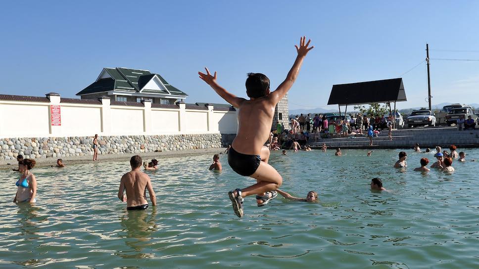 За «Александрию» просят 200 миллионов / В Челябинской области продают термальный бассейн с гостиницей