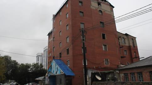 Грузинский центр снесут принудительно  / В Челябинске приставы работают над ликвидацией шестиэтажного самостроя