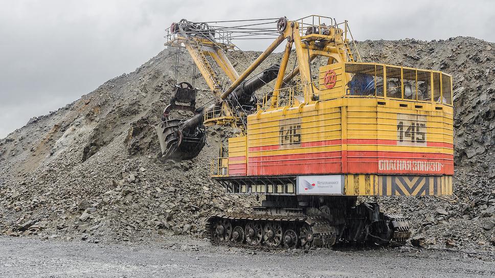 Промышленность начала приподниматься / Объемы промпроизводства в Челябинской области неустойчиво растут