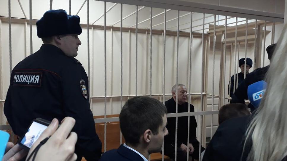 Раскаяние экс-мэра не убедило прокуратуру / Гособвинение запросило реальный срок для бывшего главы Челябинска