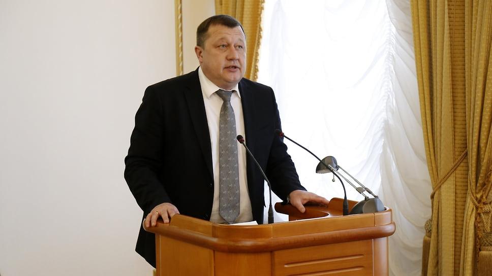 Следствие досчитало до пяти эпизодов / Завершено расследование дела бывшего первого замгубернатора Курганской области Сергея Пугина
