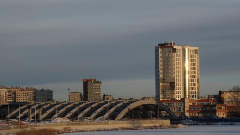 Экс-подрядчик потребовал расчета  / ПО «Монтажник» взыскивает почти 140 млн рублей с хозяйственного партнерства «Конгресс-холл»