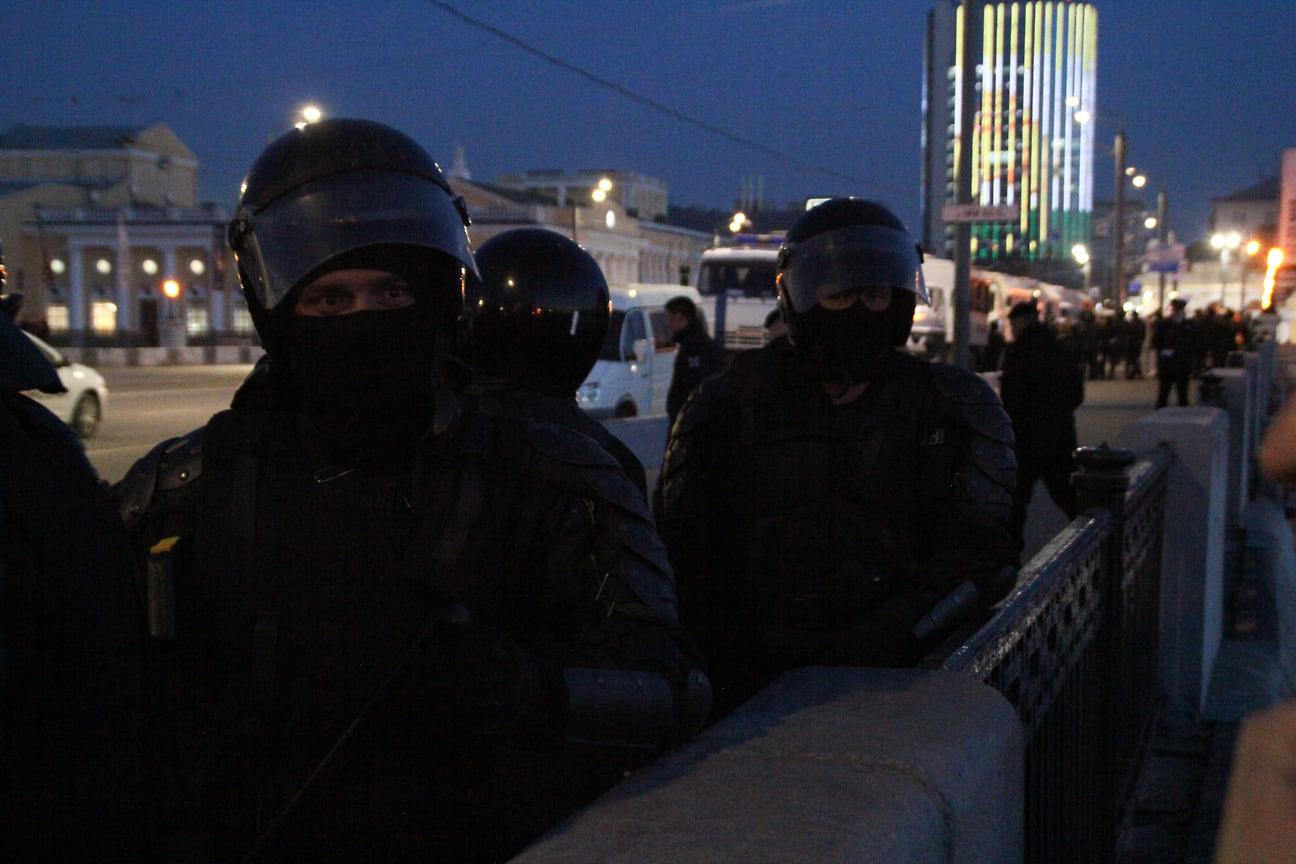 Несогласованная акция в поддержку оппозиционного политика Алексея Навального в Челябинске 21 апреля