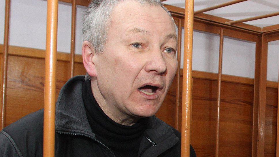 Пока Виктор Контеев (на фото) находится под стражей, овощебаза №4 перешла под контроль Татьяны Русиной