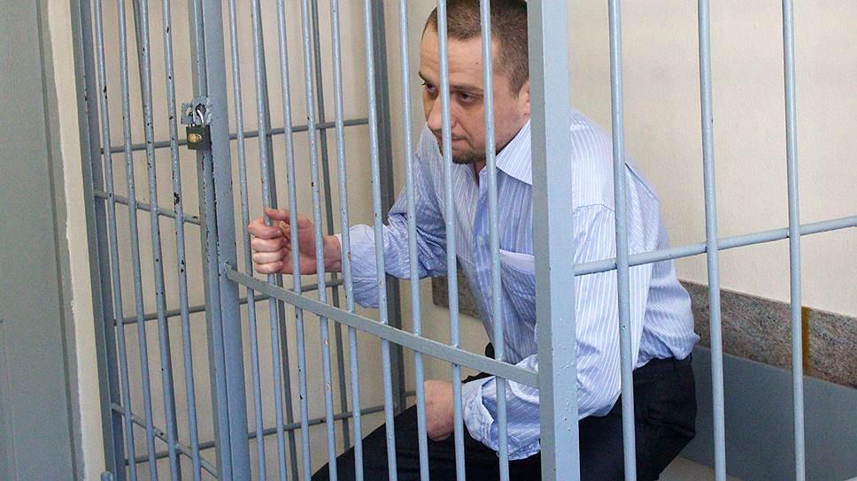 Создателя пирамиды ограничили одним приговором / Прекращен второй процесс над Алексеем Калиниченко