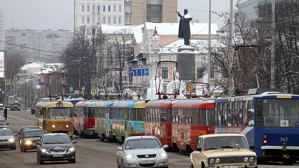 Пути сошлись / Администрации Екатеринбурга предлагают сократить количество маршрутов общественного транспорта