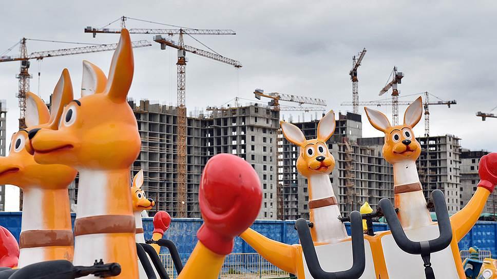Областной закон сравняют с уставом / Передачу на уровень Свердловской области градостроительных полномочий проверит суд