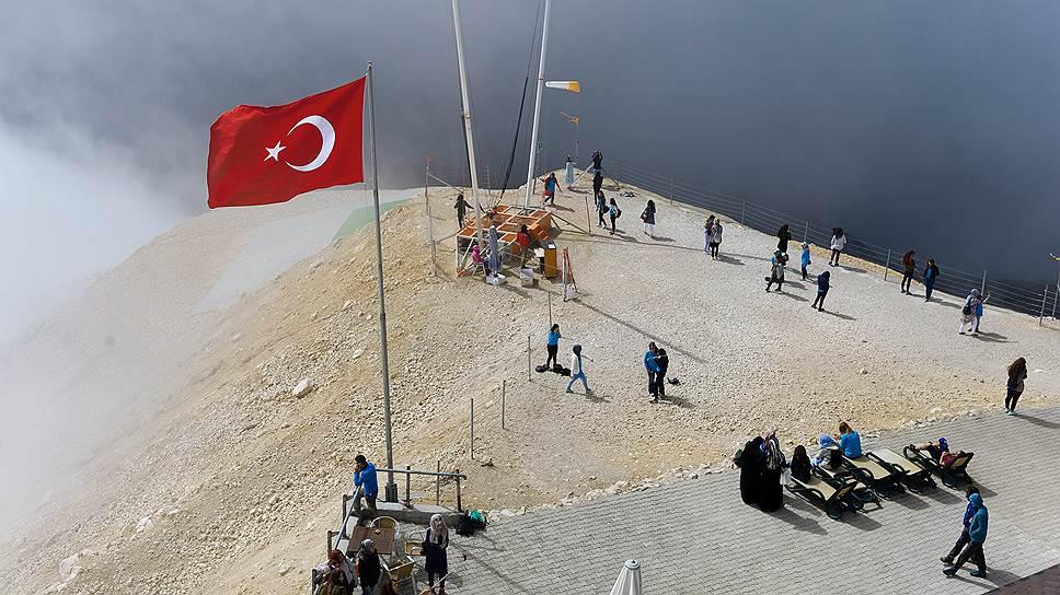 Турцию окружает бронь / Спрос на туры из Екатеринбурга превысил показатели 2015 года