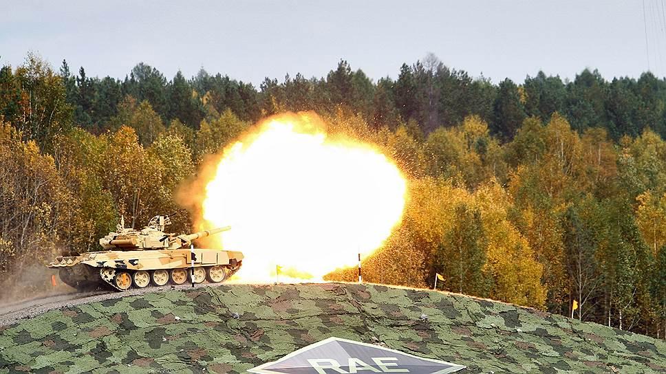 RAE отстрелялась на Урале / Выставку вооружений не будут защищать от Подмосковья
