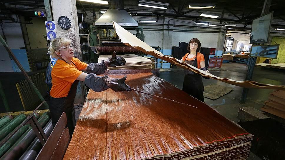 Фанеру сложили в портфель / Лидер рынка деревообработки «Свеза» приобретает тюменский завод