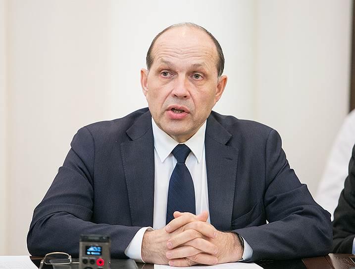 Свердловский министр строительства Михаил Волков готов блокчейном ударить по контрафакту