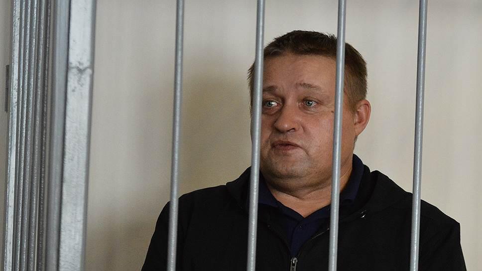 Александру Куковякину засчитали время в СИЗО / Экс-лидер ОПС «Уралмаш» получил право на досрочное освобождение