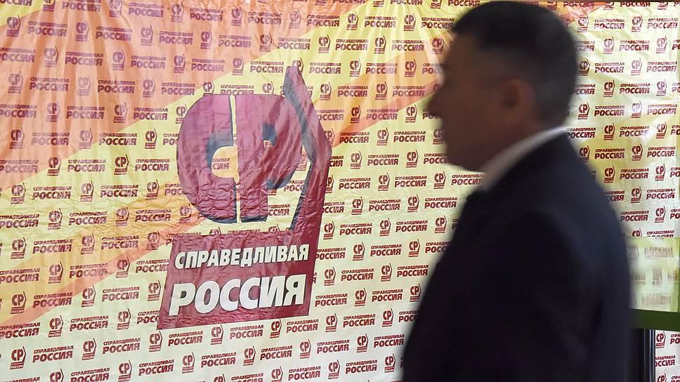 Евгений Куйвашев переходит к неформальному общению / Губернатор завершил публичные встречи с депутатами думы Екатеринбурга