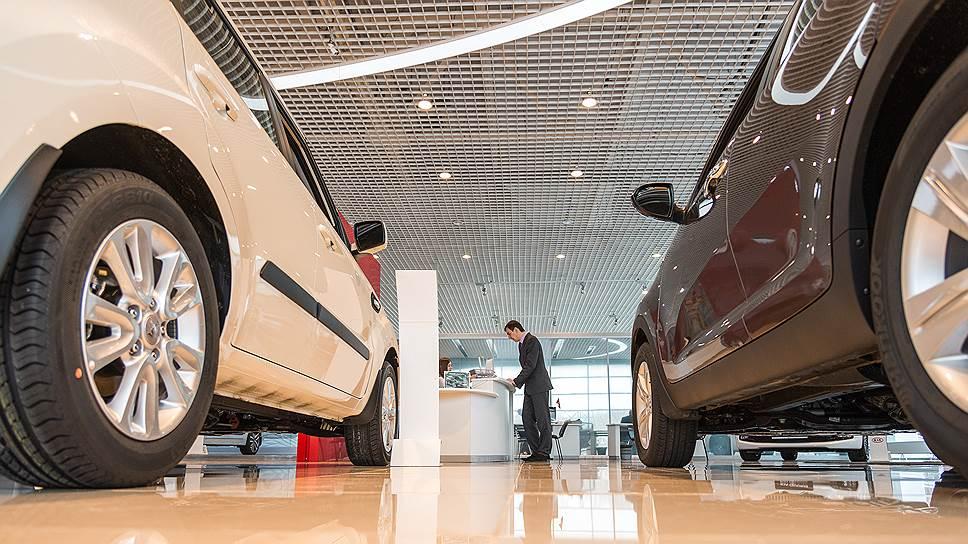 Урал разогнался / Подведены итоги продаж новых автомобилей в Свердловской области за 10 месяцев
