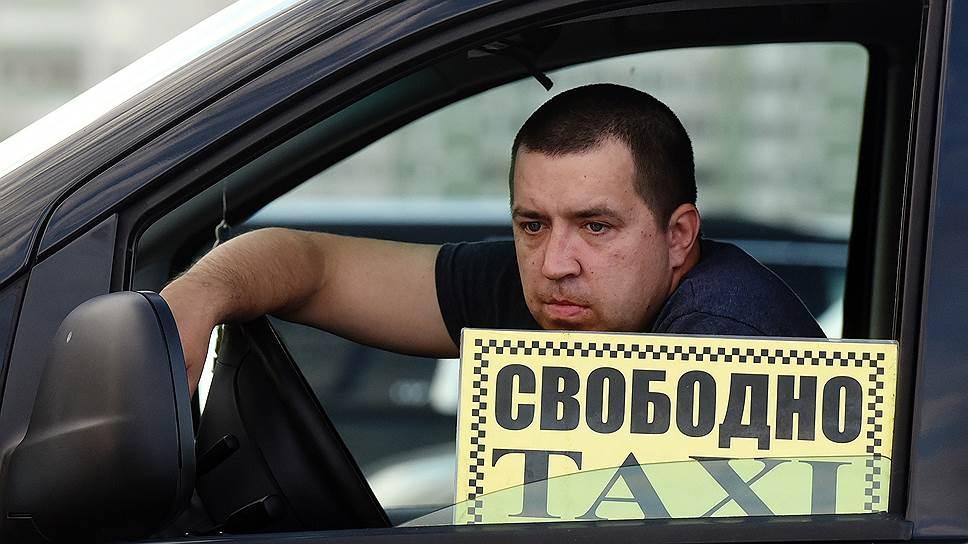 В ХМАО мигранты с 1 января освободили место за рулем такси