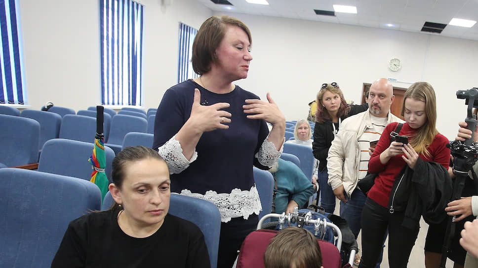 «Супрематический крест» привел в суд / Директора музея святости задержали за организацию несанкционированной акции