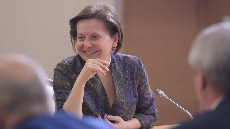"""«Я умею вышивать """"крестиком"""", но не занимаюсь этим постоянно» / О чем губернатор Югры Наталья Комарова три часа разговаривала с журналистами"""