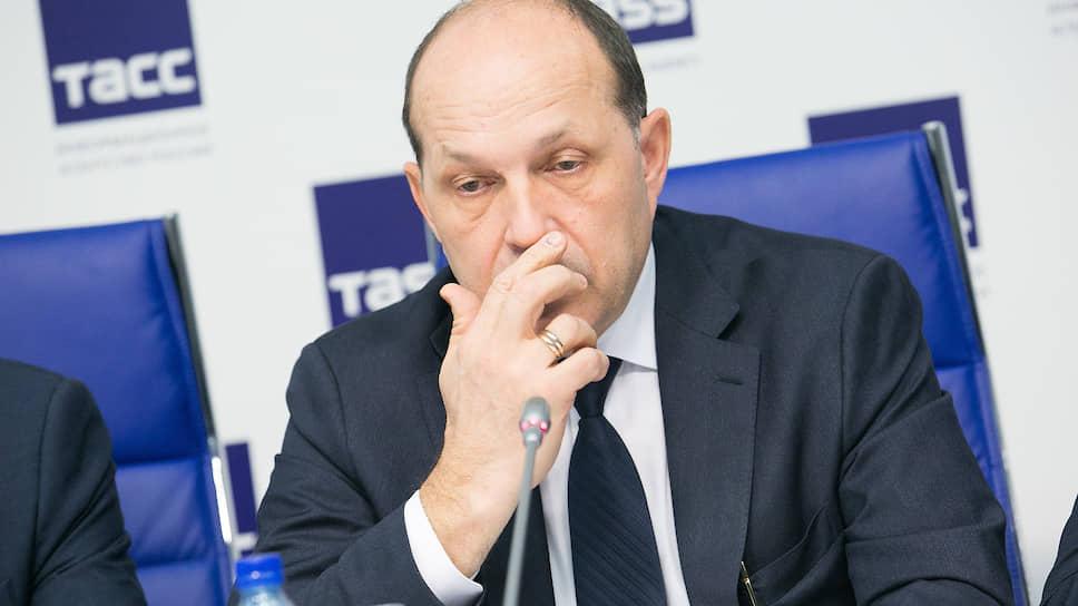 Свердловский министр строительства Михаил Волков надеется, что федеральный центр изменит показатели нацпроекта «Жилье»