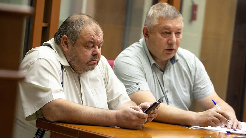 Бывший судья Арбитражного суда Свердловской области Олег Гаврюшин (слева)