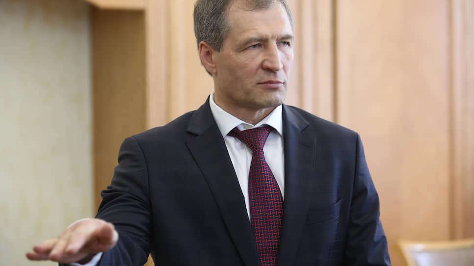 Председатель думы Екатеринбурга Игорь Володин теперь вхож в любую комиссию гордумы