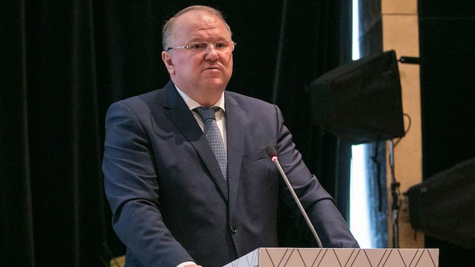 Уральский полпред попросился на допрос / Николай Цуканов готов дать показания на процессе над общественным активистом
