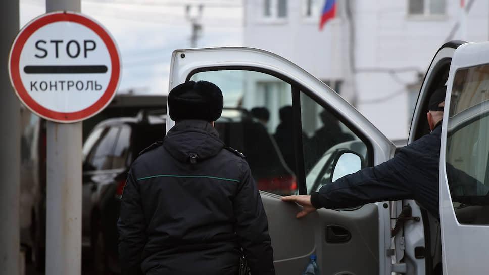 Майские праздники попали в изоляцию / В Свердловской области введут пропускной режим