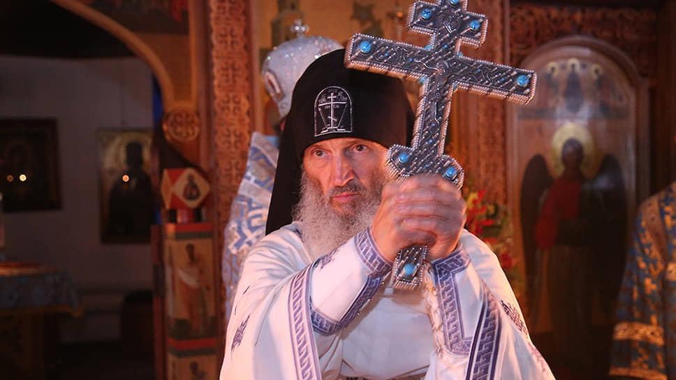 Проповеди заслушают на церковном суде / Епархиальный суд Екатеринбурга рассмотрит дело клирика, отрицавшего коронавирус