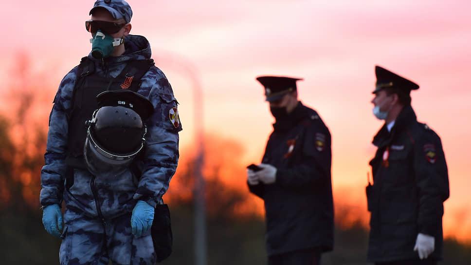 Агрессию подавили пулями / В Екатеринбурге подозреваемого в краже обоев застрелили при штурме квартиры