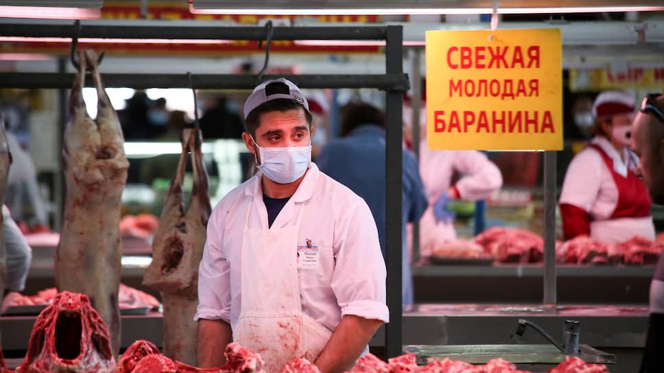 Рынки присаживаются на фуд-корты / Власти Екатеринбурга внедряют новые форматы продажи сельхозпродукции